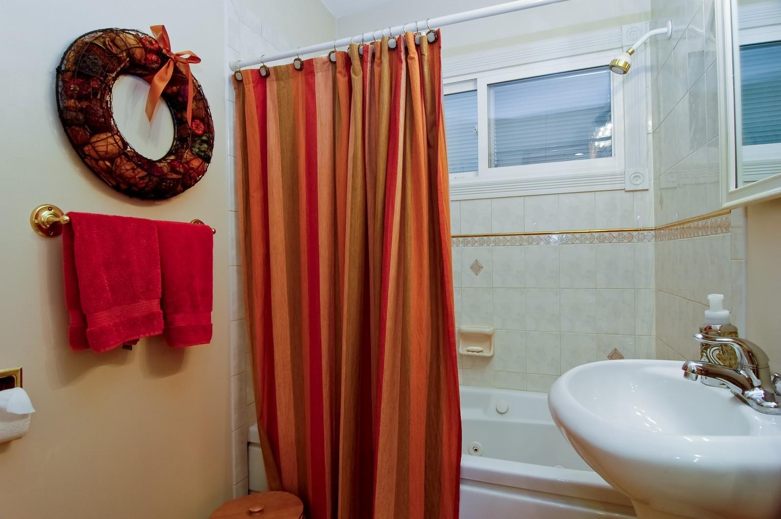 Real Estate Photography - 835 Hill, Glen Ellyn, IL, 60137 - Bathroom
