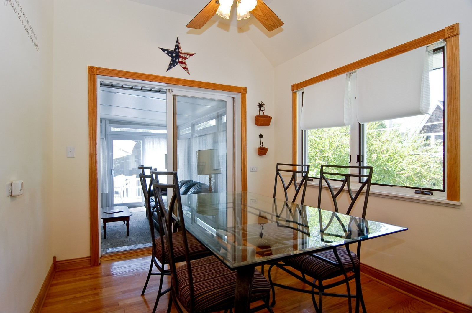 Real Estate Photography - 835 Hill, Glen Ellyn, IL, 60137 - Breakfast Nook