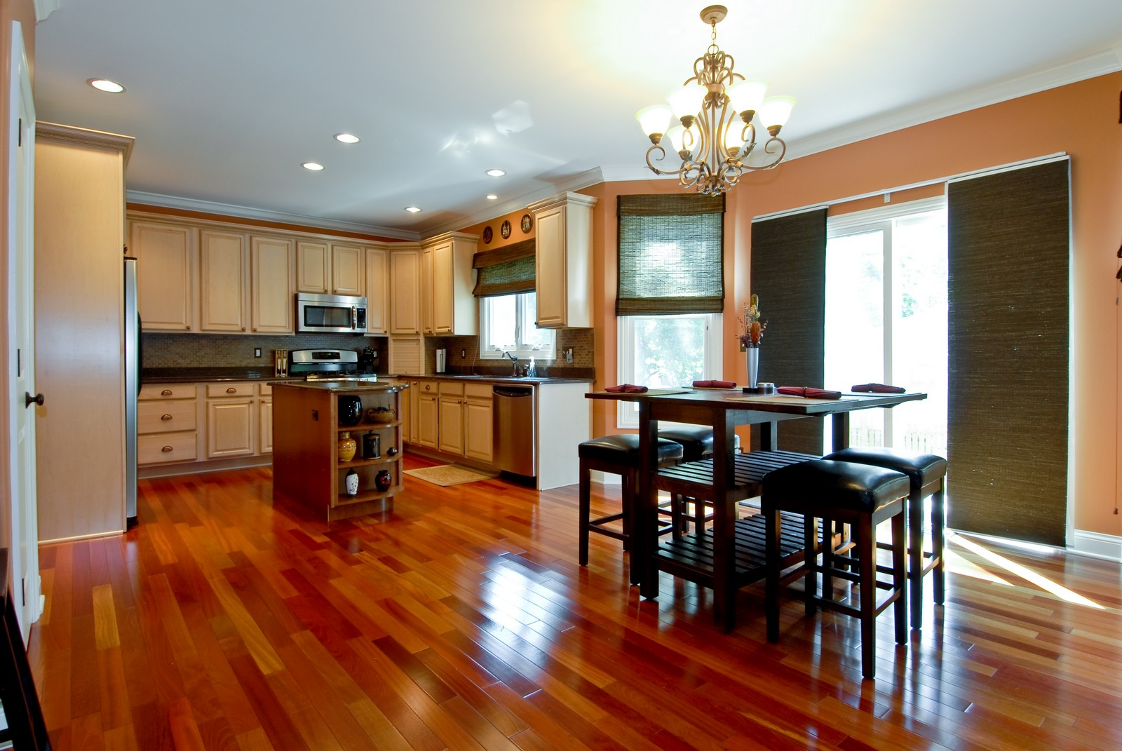 Real Estate Photography - 1221 Wing Ave, St. Charles, IL, 60174 - Kitchen / Breakfast Room