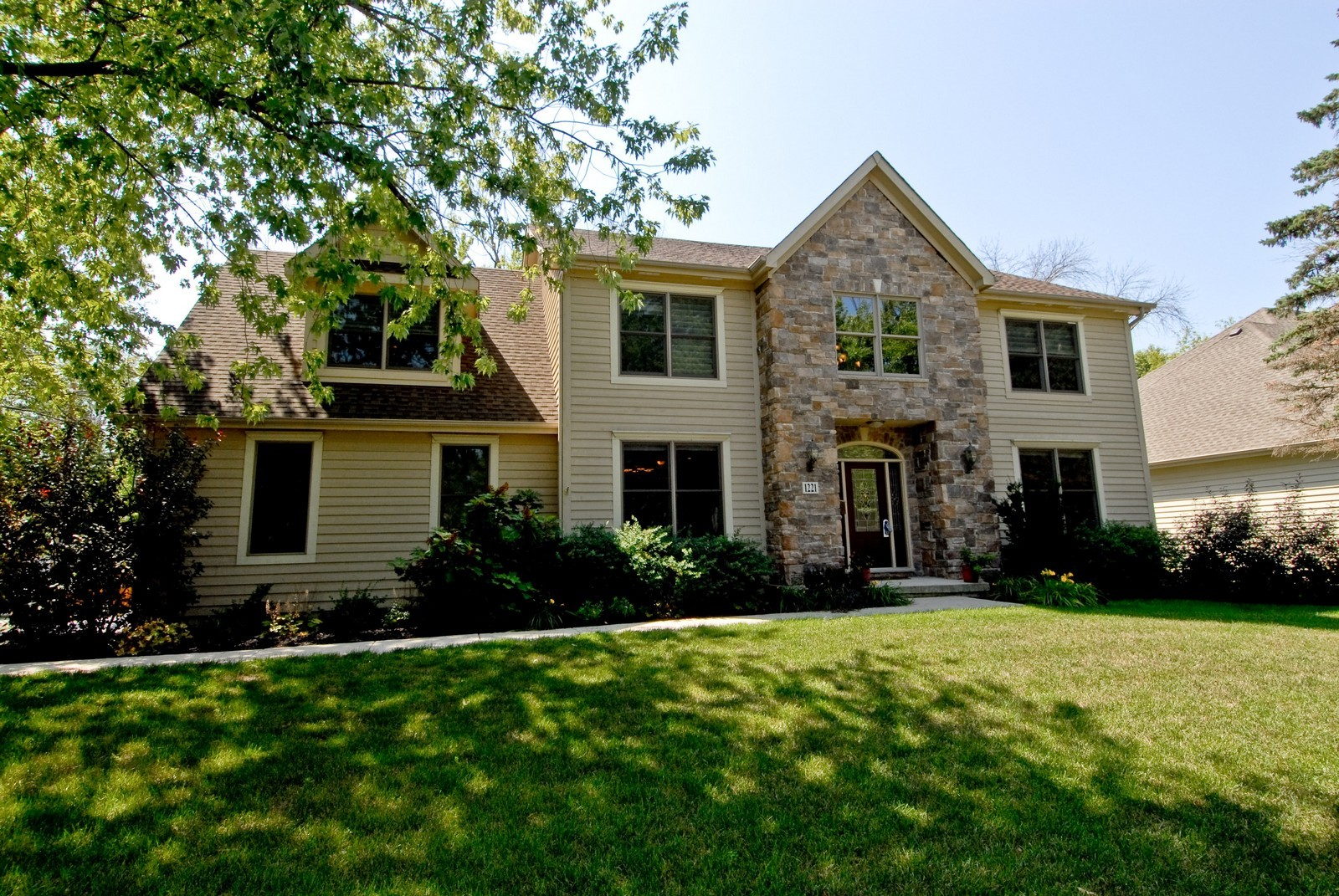 Real Estate Photography - 1221 Wing Ave, St. Charles, IL, 60174 - Front View