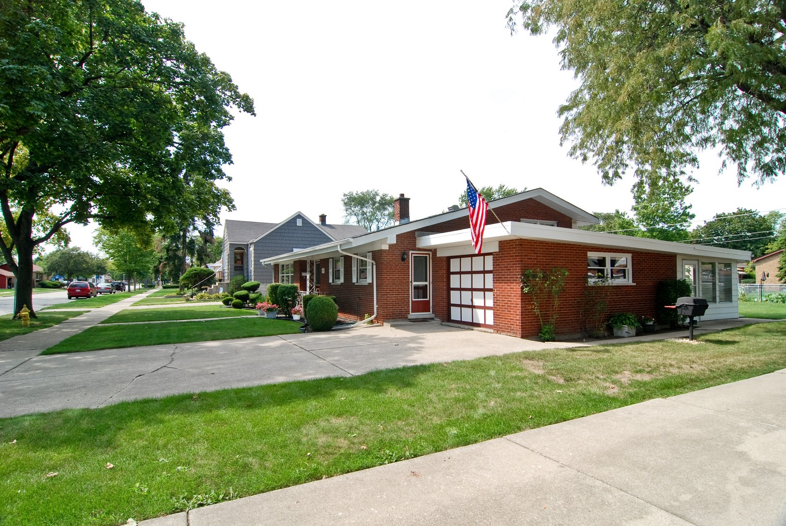 Real Estate Photography - 9118 30th Street, Brookfield, IL, 60513 - Location 1