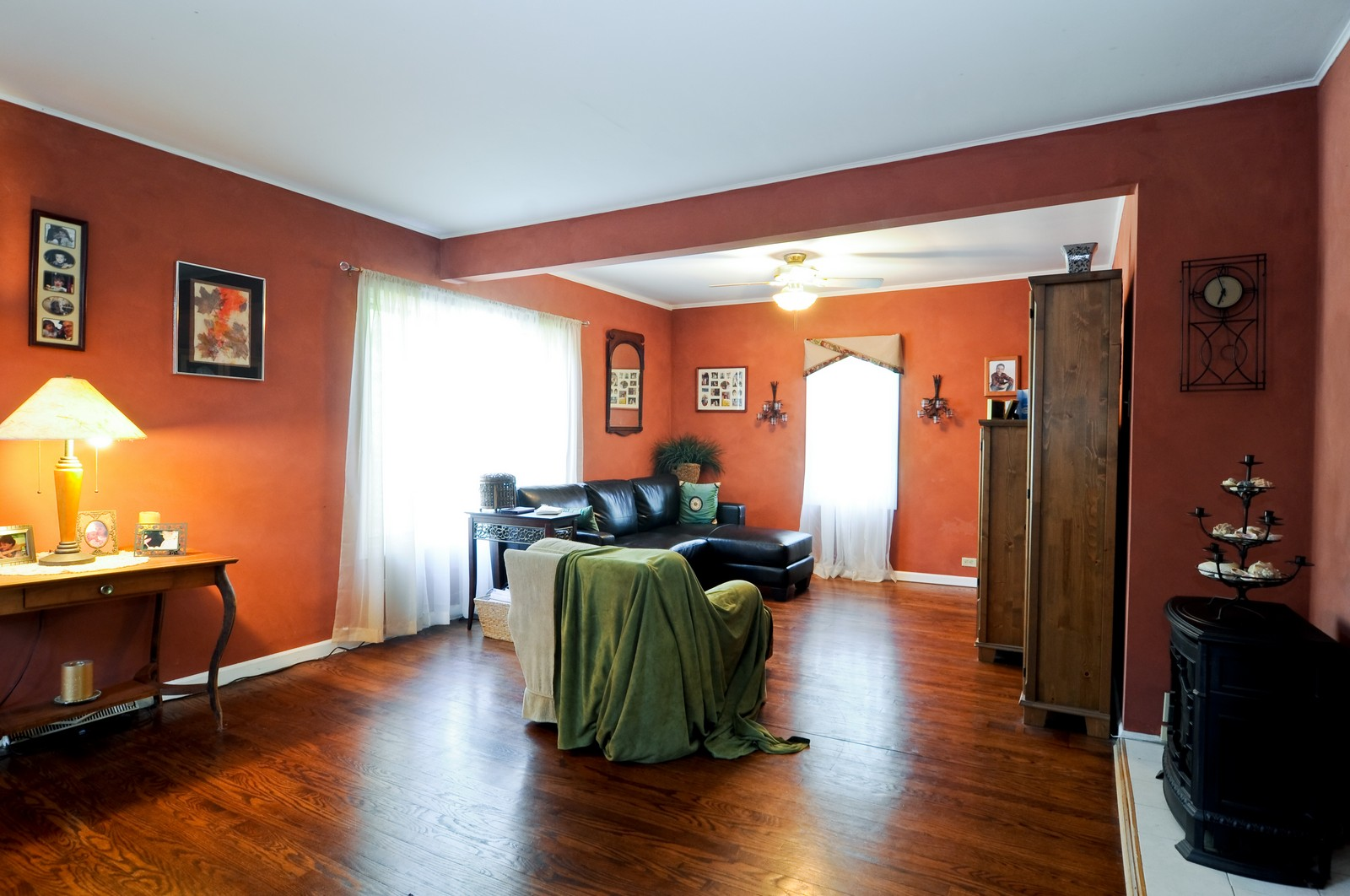 Real Estate Photography - 23823 N Sunset, Lake Zurich, IL, 60047 - Living Room