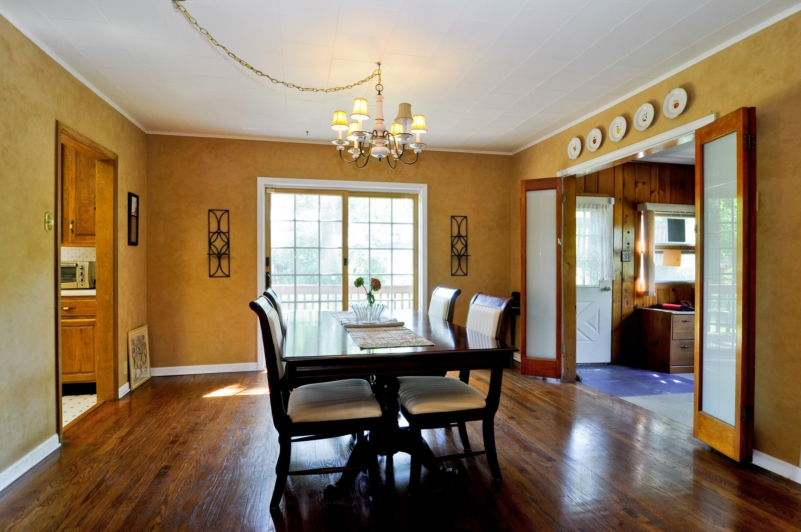 Real Estate Photography - 23823 N Sunset, Lake Zurich, IL, 60047 - Dining Room