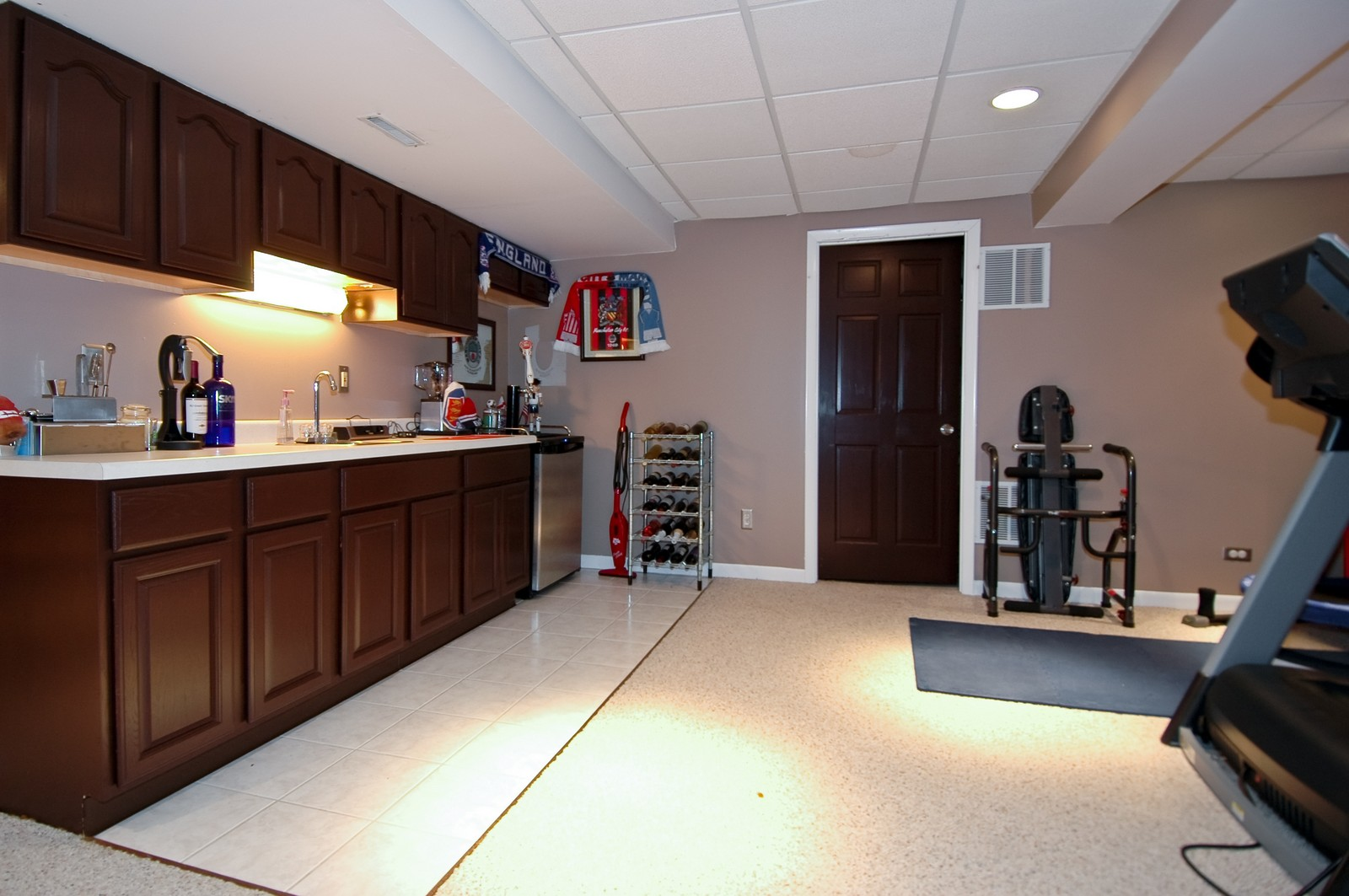Real Estate Photography - 718 Bayberry, Cary, IL, 60013 - Bar