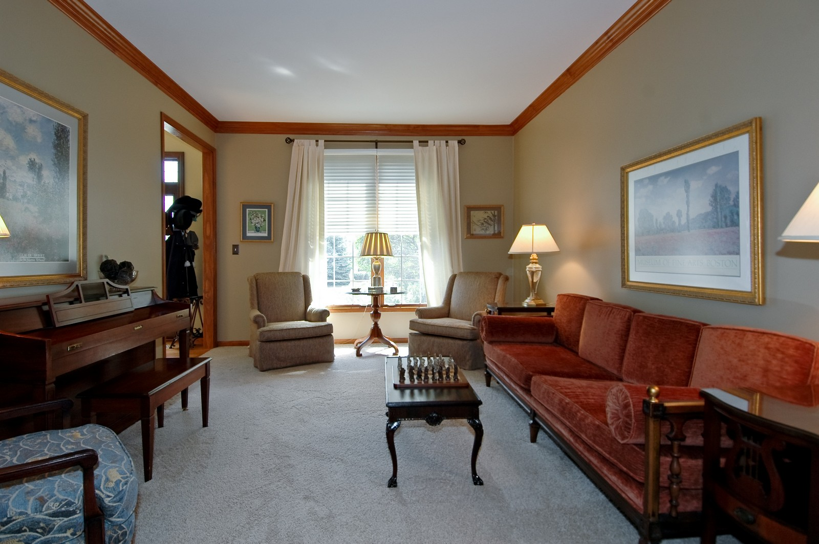 Real Estate Photography - 903 KING JAMES, ST CHARLES, IL, 60174 - Living Room