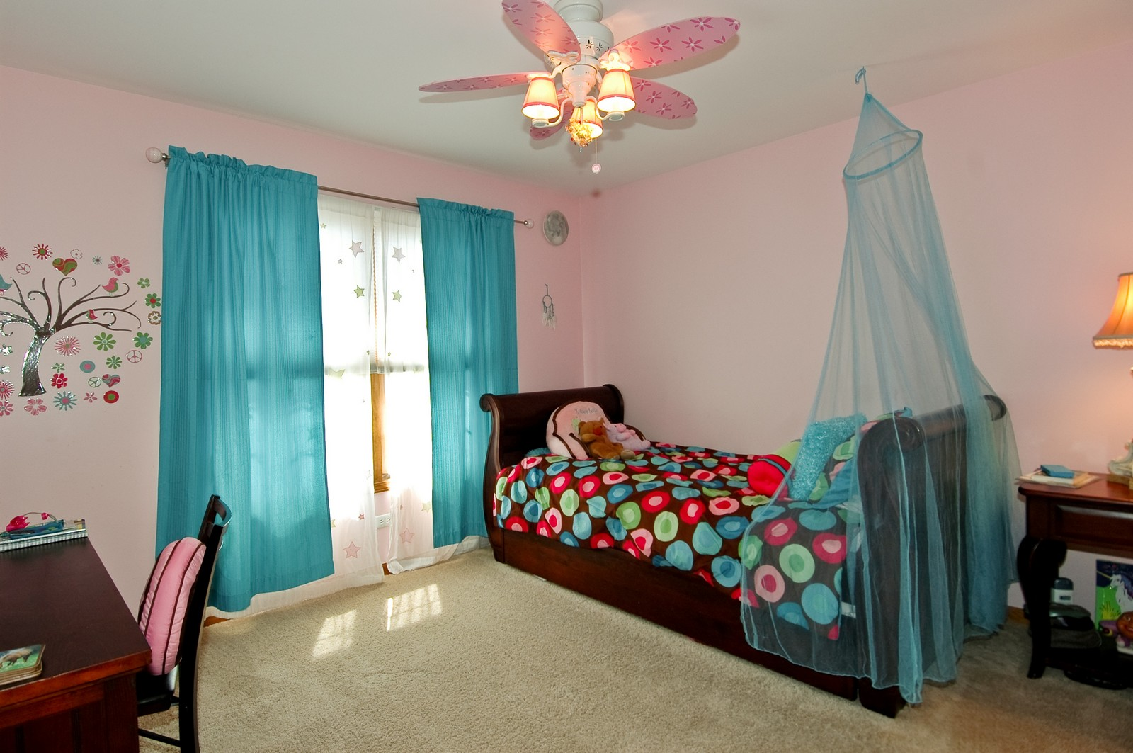 Real Estate Photography - 903 KING JAMES, ST CHARLES, IL, 60174 - 2nd Bedroom