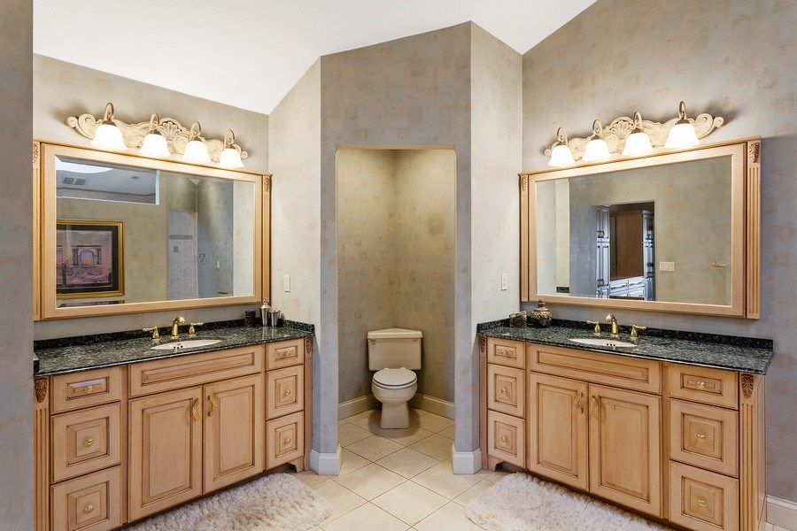 Real Estate Photography - 10946 N SOUTHSHORE DRIVE, SYRACUSE, IN, 46567 - Master Bathroom