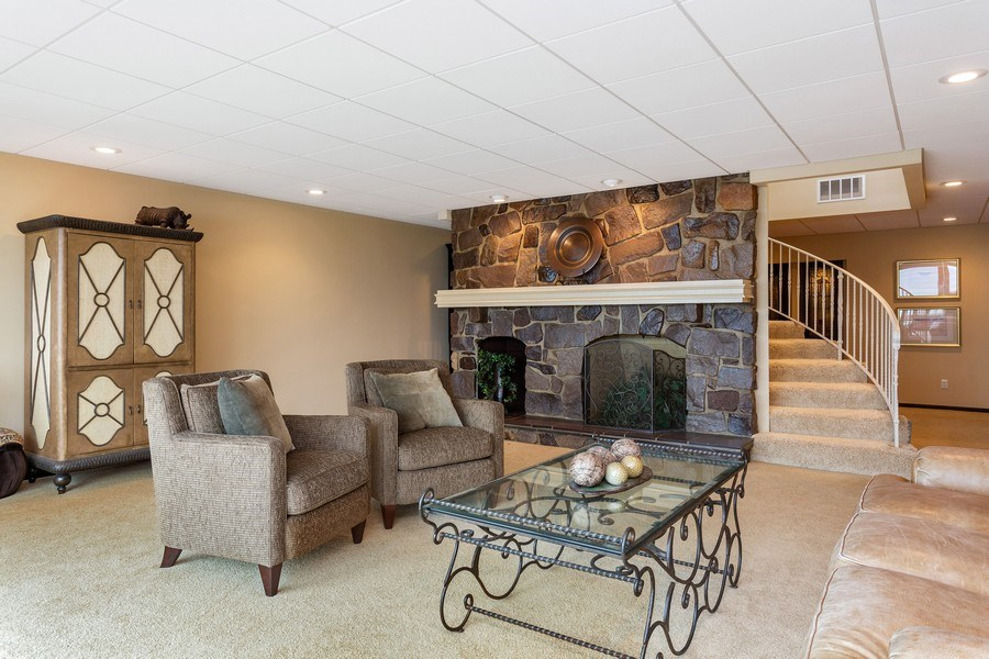 Real Estate Photography - 10946 N SOUTHSHORE DRIVE, SYRACUSE, IN, 46567 - Family Room