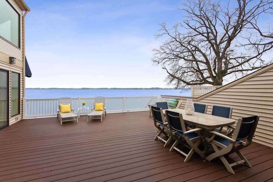 Real Estate Photography - 10946 N SOUTHSHORE DRIVE, SYRACUSE, IN, 46567 - Deck