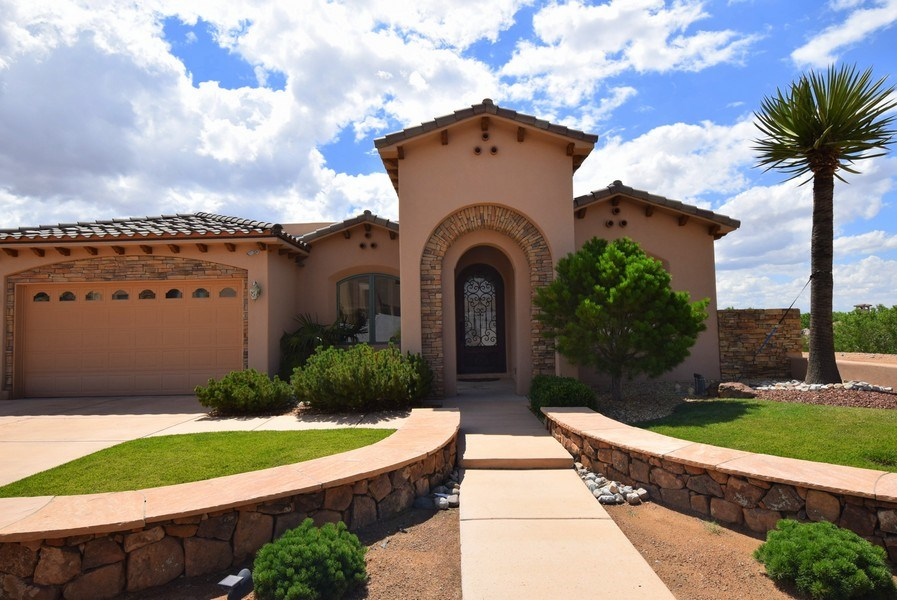 Real Estate Photography - 909 Nicholas Ct, Bernalillo, NM, 87004 - Front View