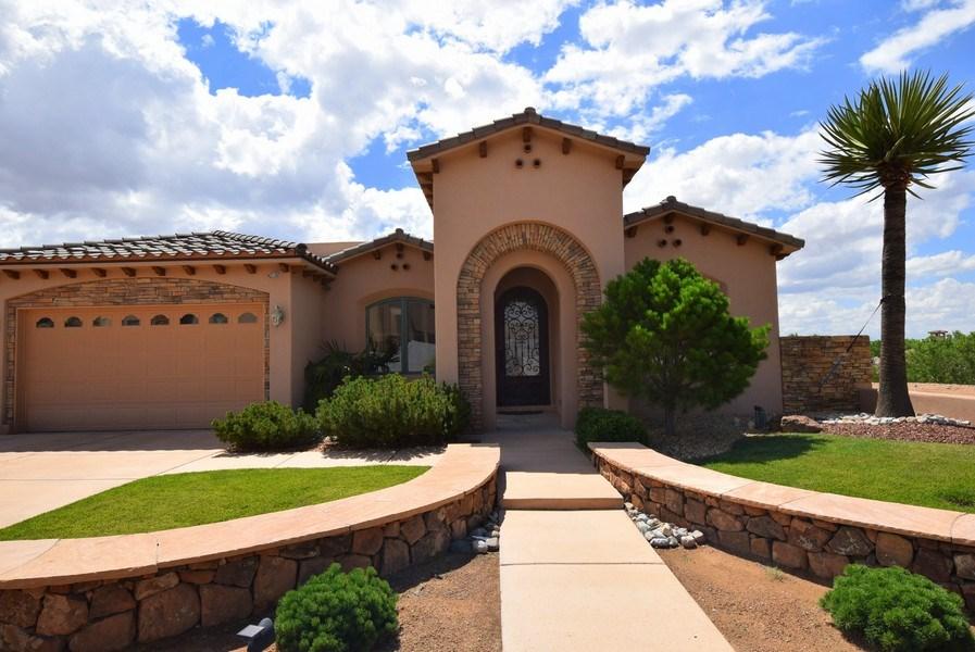 Real Estate Photography - 909 Nicholas Ct, Bernalillo, NM, 87004 - Front View