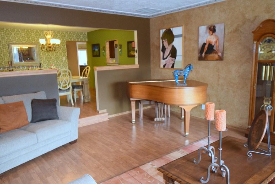 Real Estate Photography - 1419 Catron SE, Albuquerque, NM, 87123 - Living Room