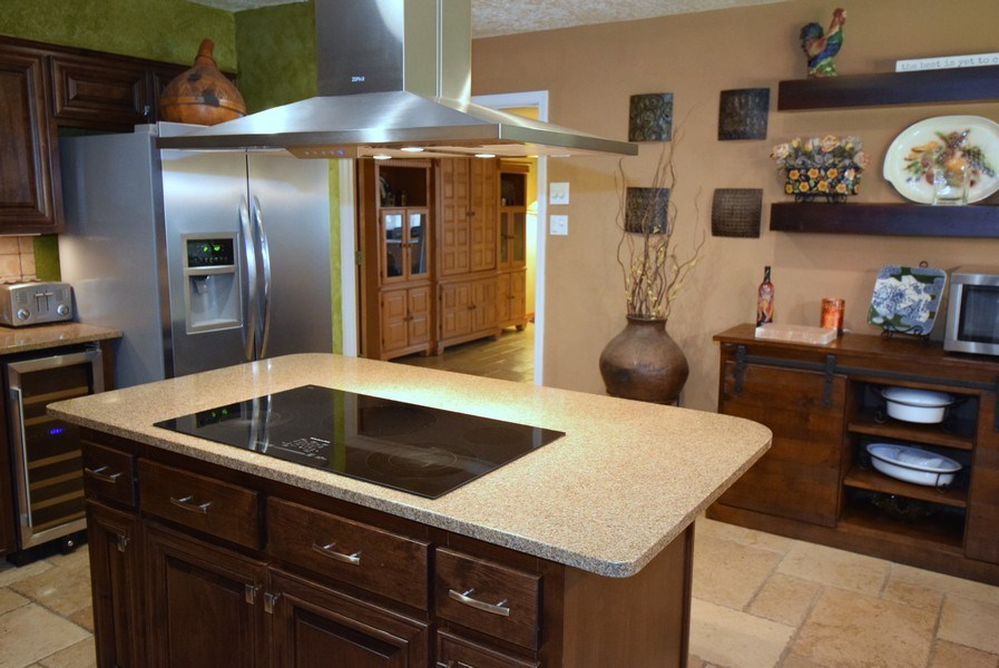 Real Estate Photography - 1419 Catron SE, Albuquerque, NM, 87123 - Kitchen