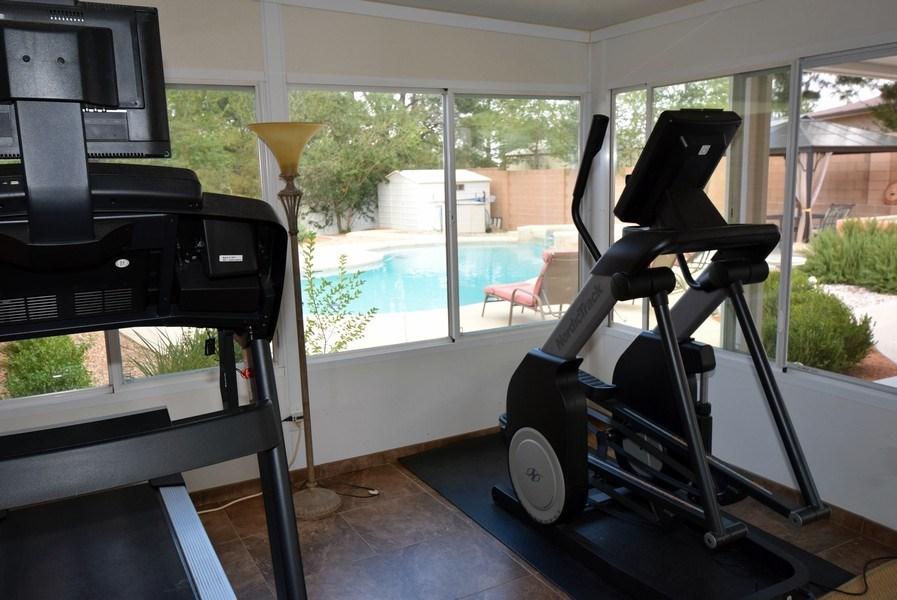 Real Estate Photography - 1419 Catron SE, Albuquerque, NM, 87123 - Sun Room