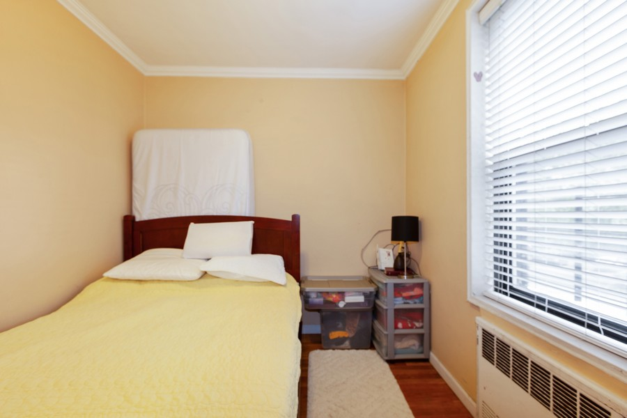 Real Estate Photography - 80-35 Springfields Blvd., 2N, Queens Village, NY, 11427 - Bedroom