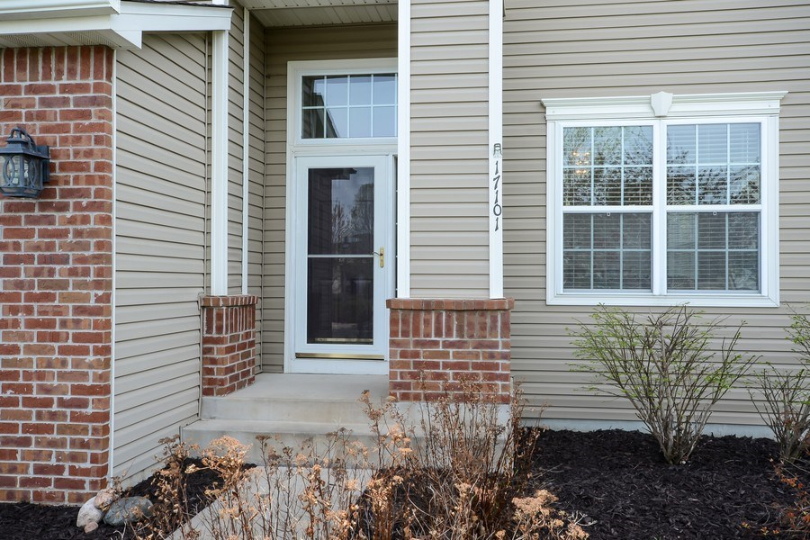 Real Estate Photography - 17101 76th Pl N, Maple Grove, MN, 55311 - Front View