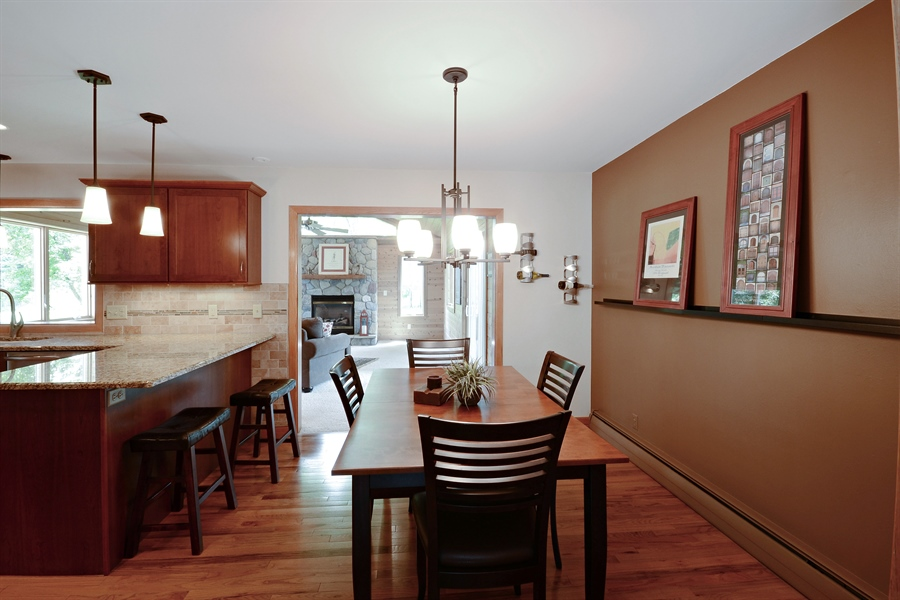 Real Estate Photography - 2001 Sibley Ct, Burnsville, MN, 55337 - Kitchen / Breakfast Room