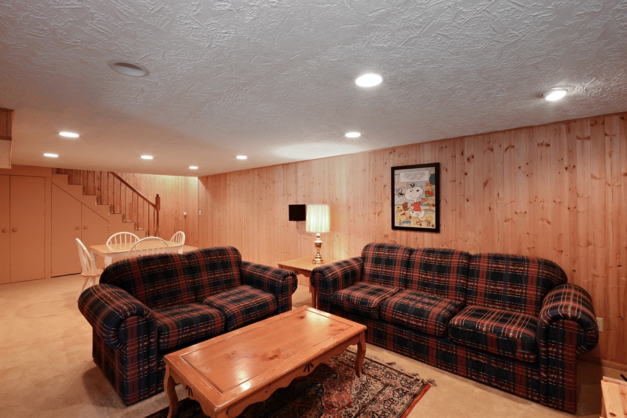 Real Estate Photography - 2001 Sibley Ct, Burnsville, MN, 55337 - Family Room