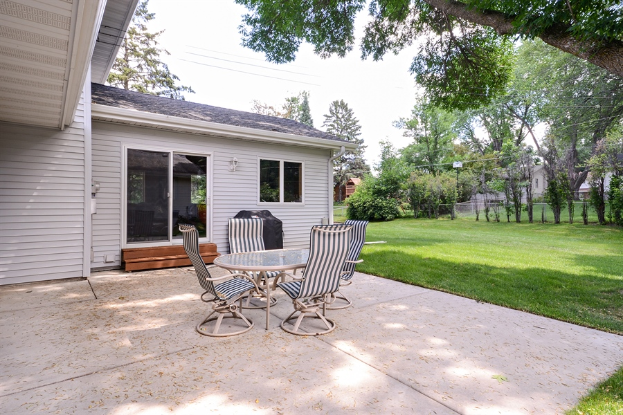 Real Estate Photography - 2001 Sibley Ct, Burnsville, MN, 55337 - Patio