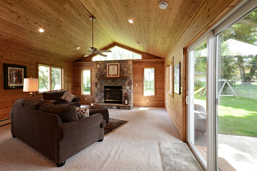 Real Estate Photography - 2001 Sibley Ct, Burnsville, MN, 55337 - Sun Room