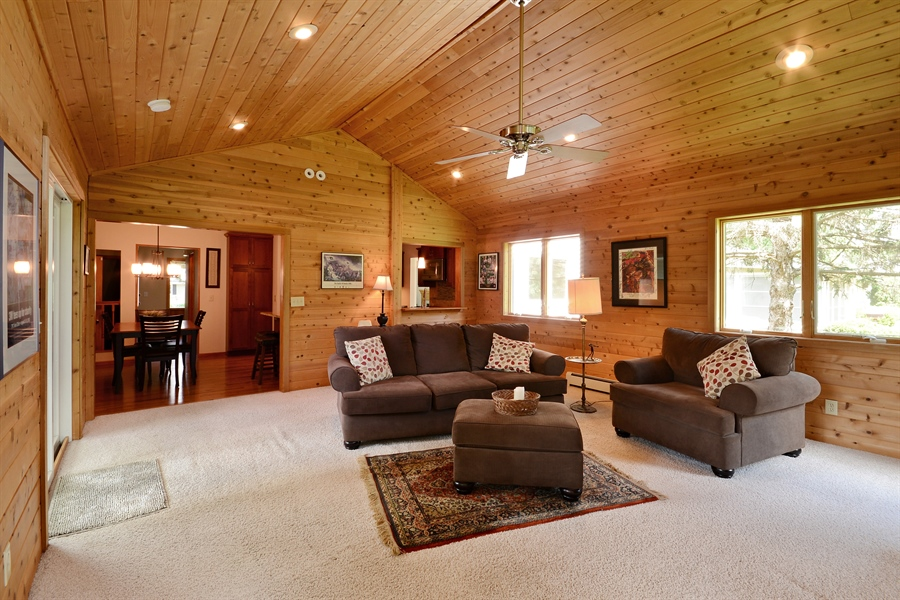 Real Estate Photography - 2001 Sibley Ct, Burnsville, MN, 55337 - Sunroom