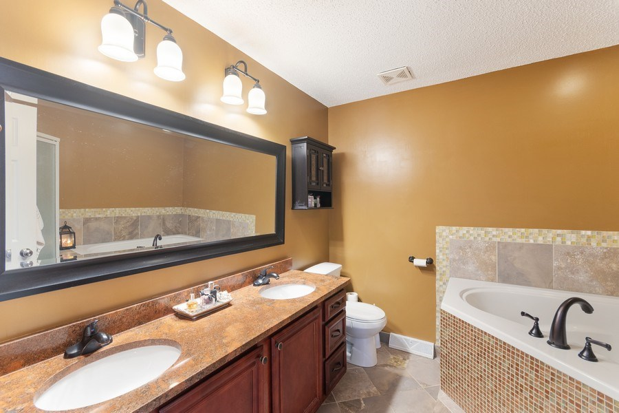 Real Estate Photography - 712 Country Pl, Burnsville, MN, 55337 - Master Bathroom