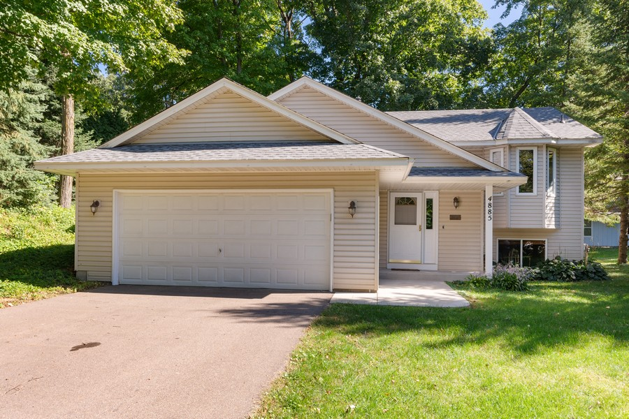 Real Estate Photography - 4885 Rustic Way, Shorewood, MN, 55331 - Front View