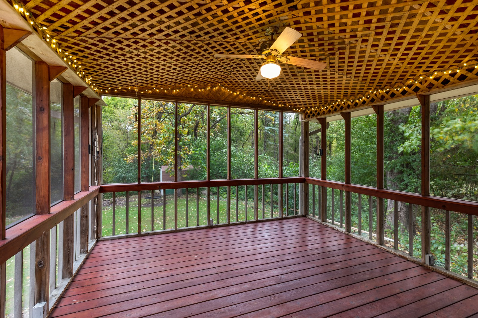 Real Estate Photography - 2069 Flanders Rd, North St Paul, MN, 55109 - Sun Room