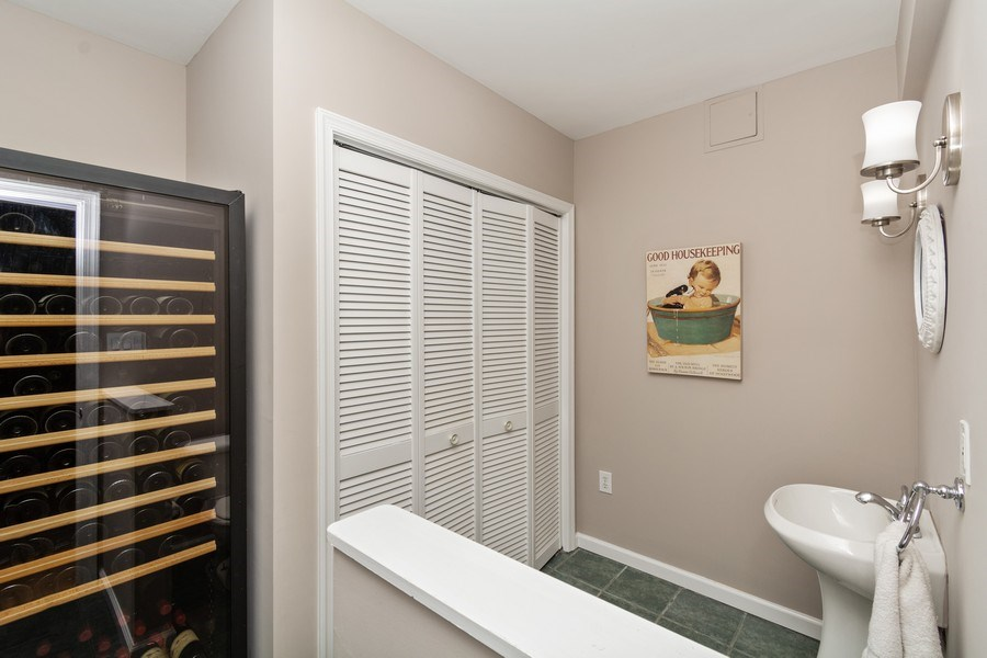 Real Estate Photography - 1401 Coventry Lane, Alexandria, VA, 22304 - 2nd Bathroom
