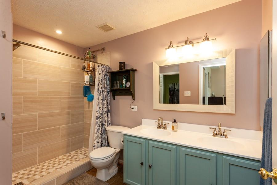Real Estate Photography - 443 Foreland Garth, Abingdon, MD, 21009 - Master Bathroom