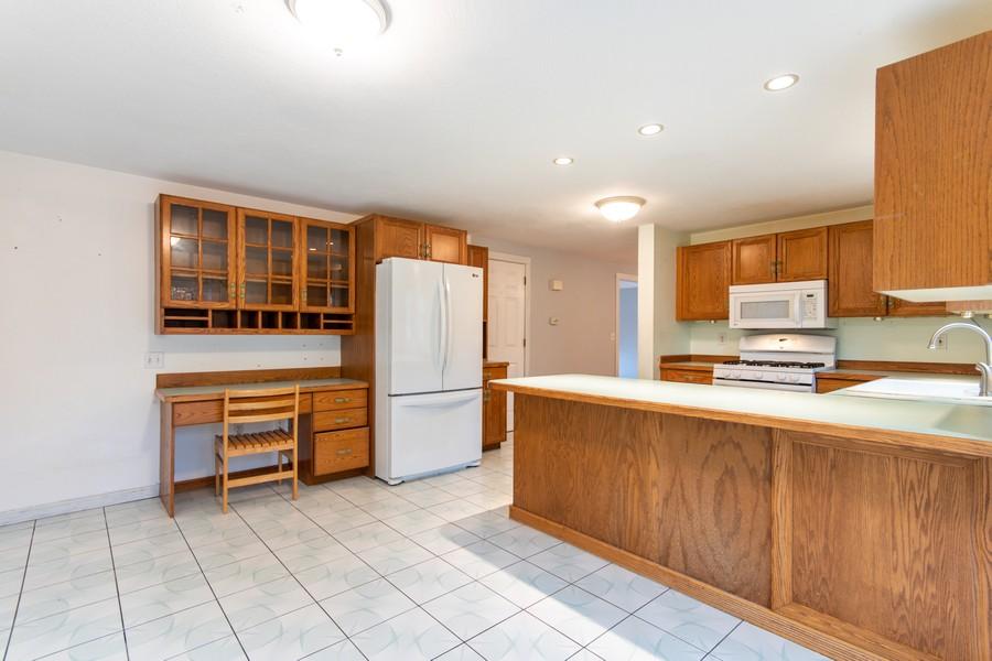 Real Estate Photography - 426 Elk Run Rd, Hudson, NH, 03051 -