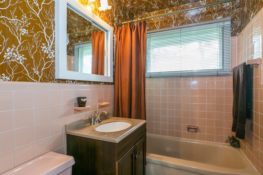 Real Estate Photography - 9 Laurence Ct, Closter, NJ, 07624 -