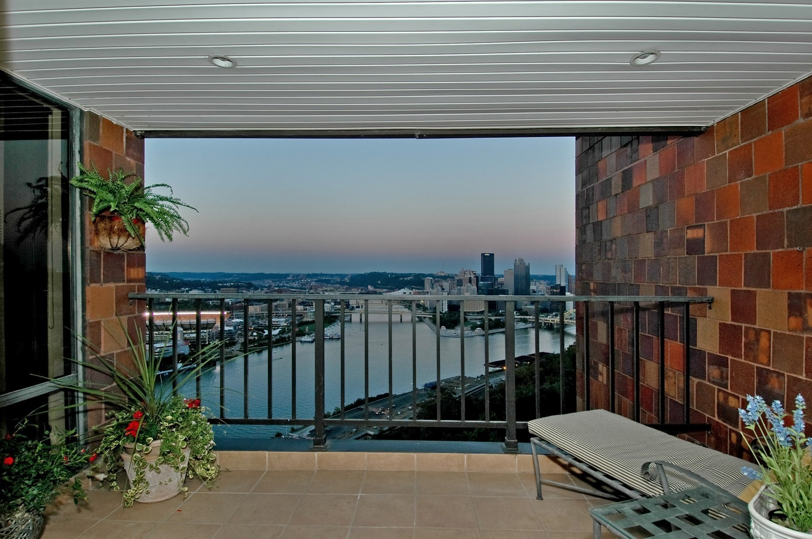 Real Estate Photography - 1700 Grandview Ave, Unit 603, Pittsburgh, PA, 15211 - Patio