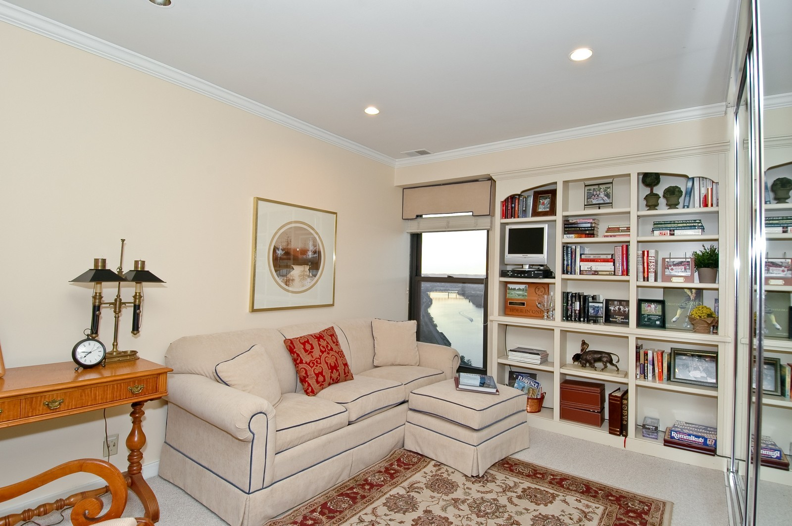 Real Estate Photography - 1700 Grandview Ave, Unit 603, Pittsburgh, PA, 15211 - 2nd Bedroom