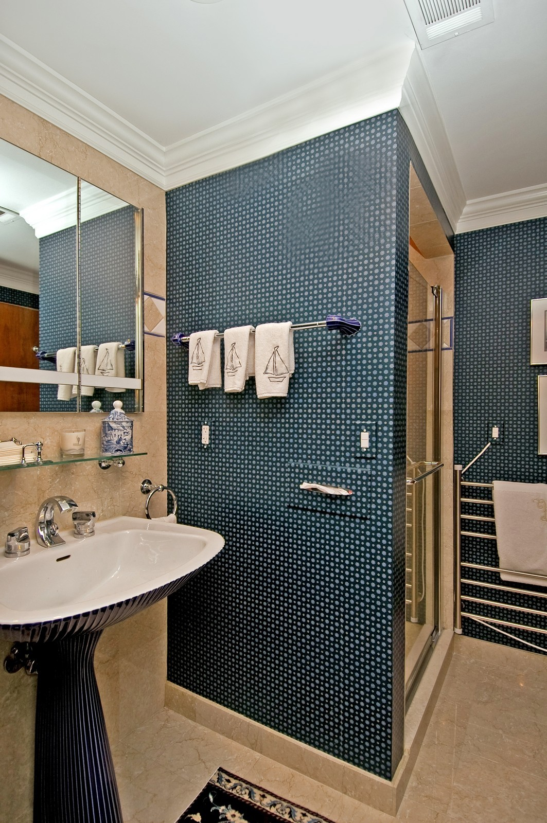 Real Estate Photography - 1700 Grandview Ave, Unit 603, Pittsburgh, PA, 15211 - Bathroom