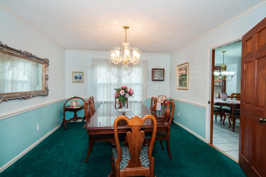 Real Estate Photography - 2100 Kilkenney Hill Rd, Matthews, NC, 28105 - Dining Room