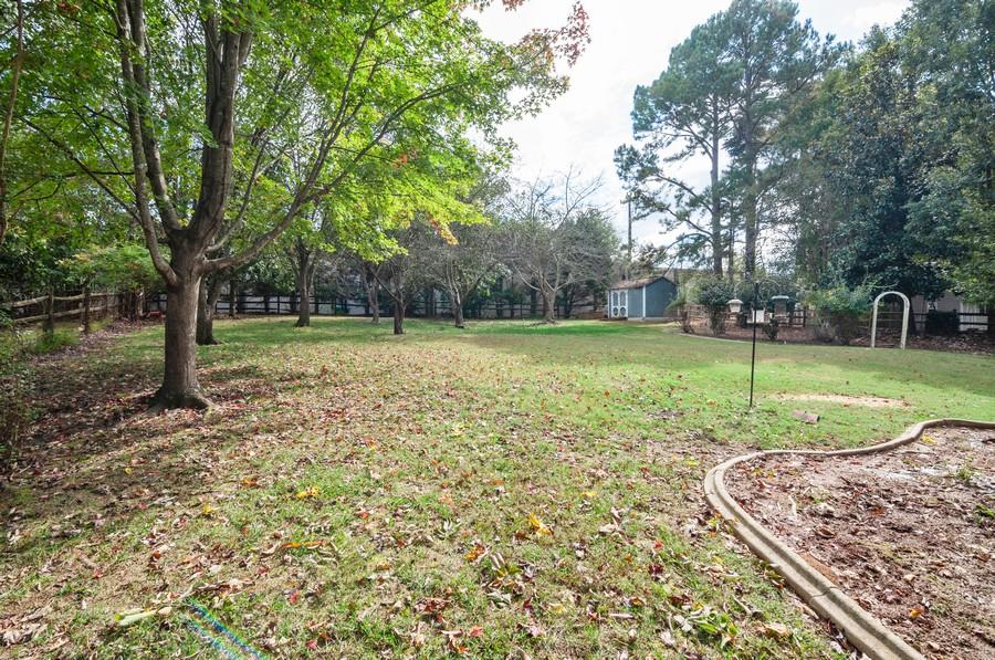 Real Estate Photography - 2100 Kilkenney Hill Rd, Matthews, NC, 28105 - Back Yard