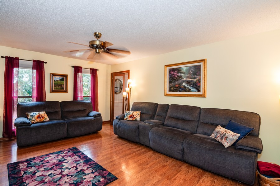 Real Estate Photography - 2100 Kilkenney Hill Rd, Matthews, NC, 28105 - Family Room