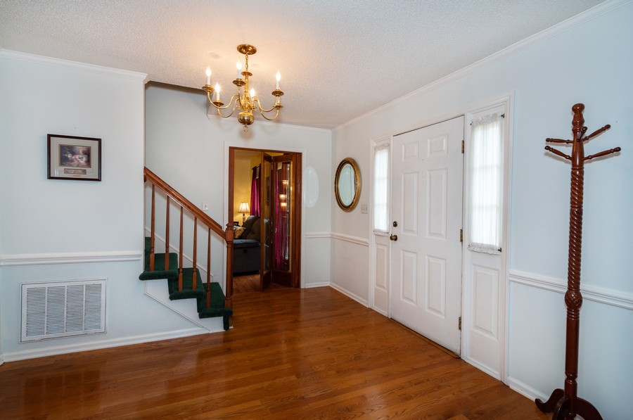 Real Estate Photography - 2100 Kilkenney Hill Rd, Matthews, NC, 28105 - Foyer