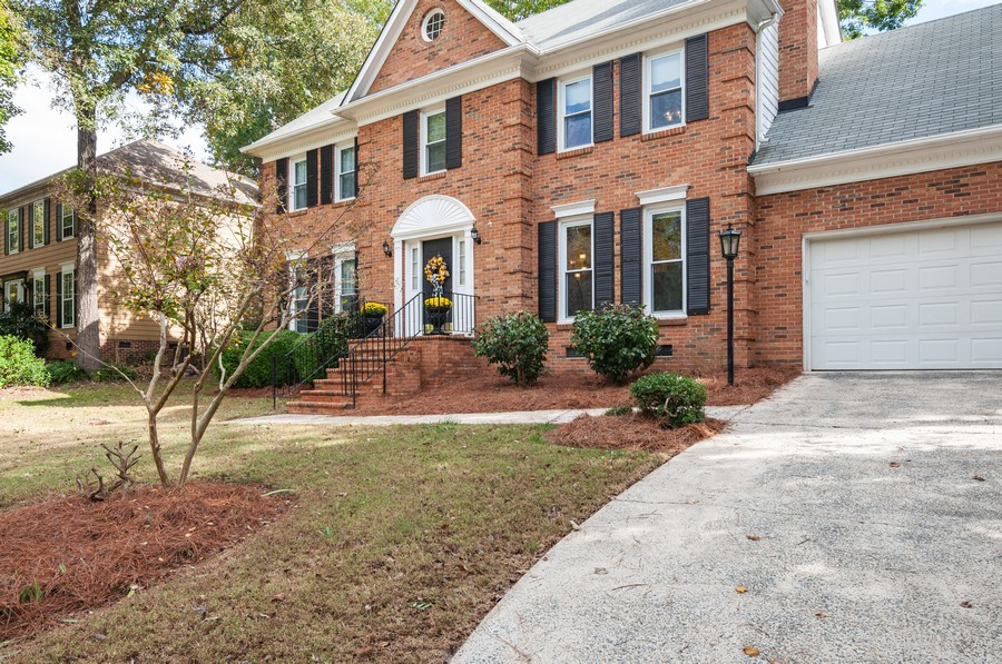 Real Estate Photography - 2100 Kilkenney Hill Rd, Matthews, NC, 28105 - Front View