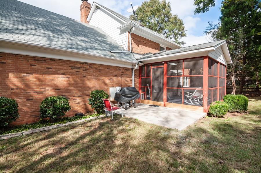 Real Estate Photography - 2100 Kilkenney Hill Rd, Matthews, NC, 28105 - Patio