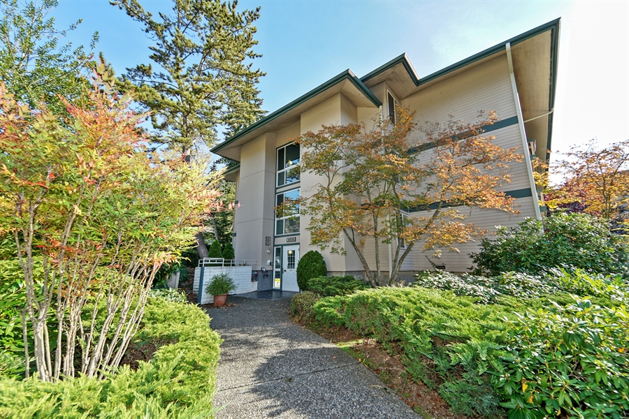 Real Estate Photography - 5620 200th St SW, unit B320, Lynnwood, WA, 98036 - Front View