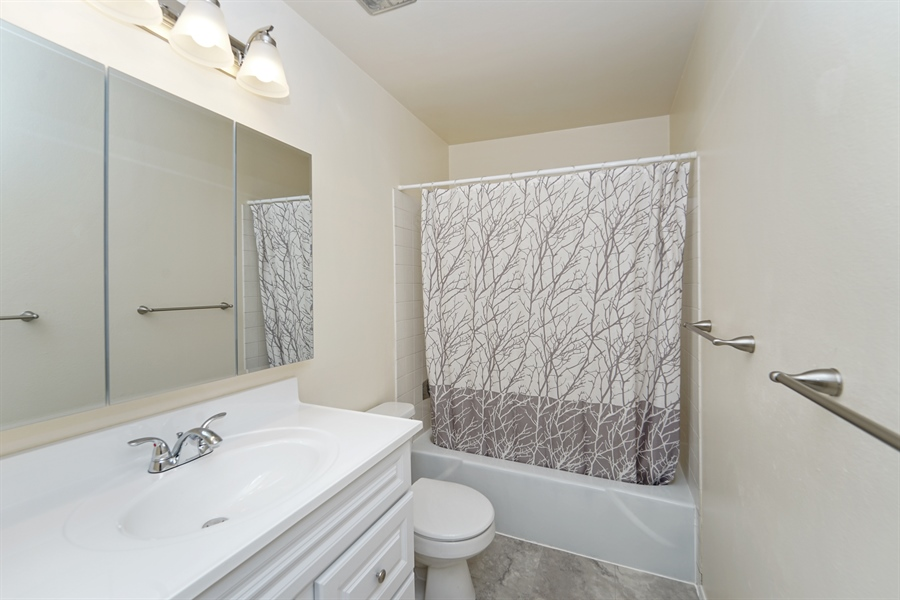 Real Estate Photography - 5620 200th St SW, unit B320, Lynnwood, WA, 98036 - Bathroom