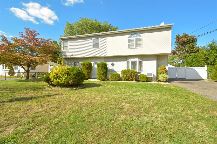 Real Estate Photography - 3 Tamarack, Central Islip, NY, 11722 - Front View