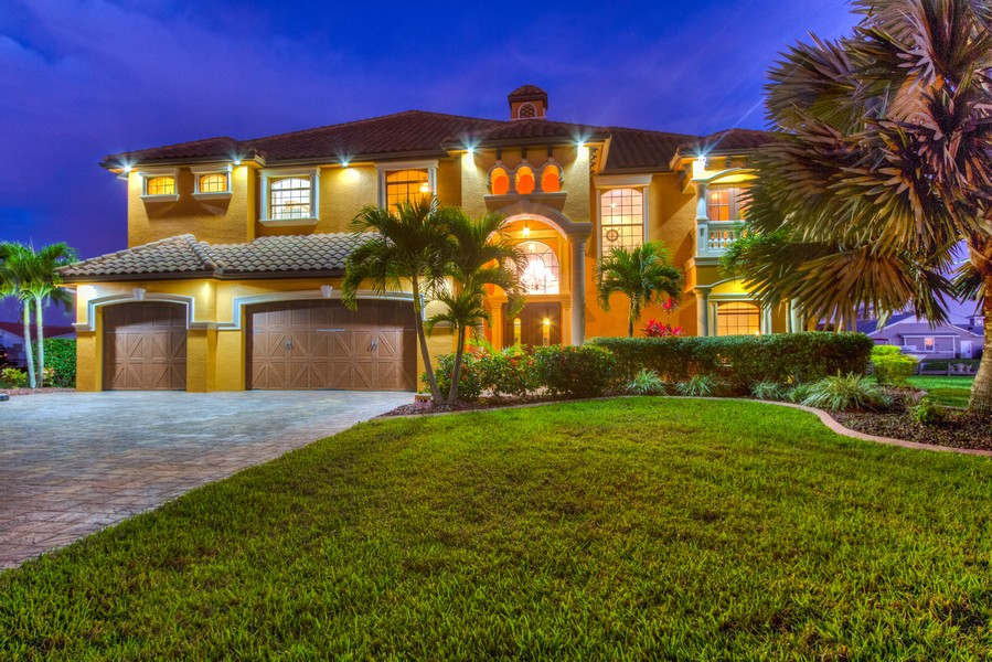 Real Estate Photography - 1930 SE 21st Ter, Cape Coral, FL, 33990 -