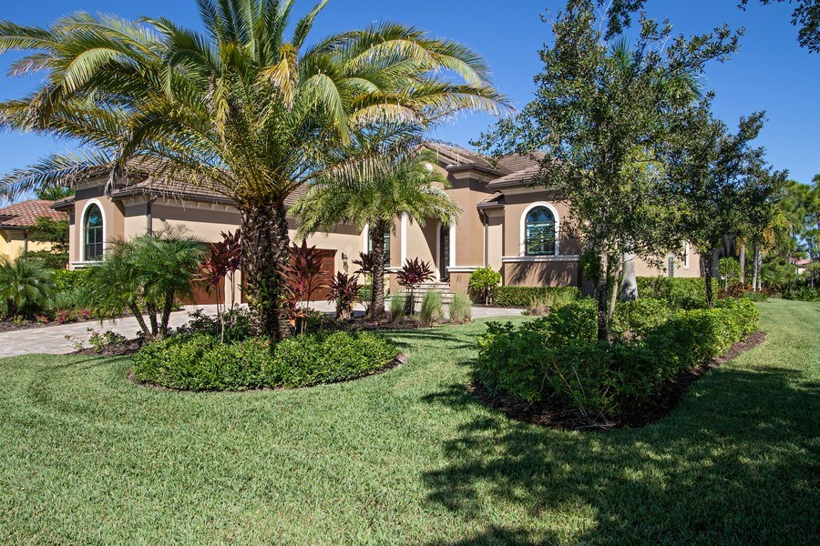 Real Estate Photography - 6751 Mossy Glen Drive, Ft. Myers, FL, 33908 - Front View