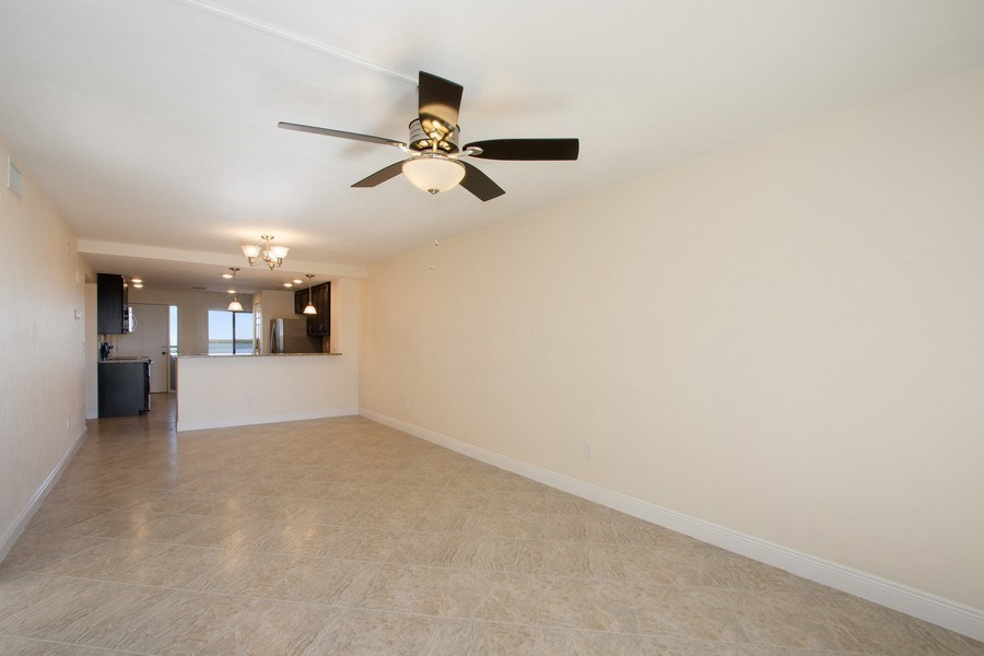 Real Estate Photography - 4263 Bay Beach Ln, #613, Fort Myers Beach, FL, 33931 - Living Room