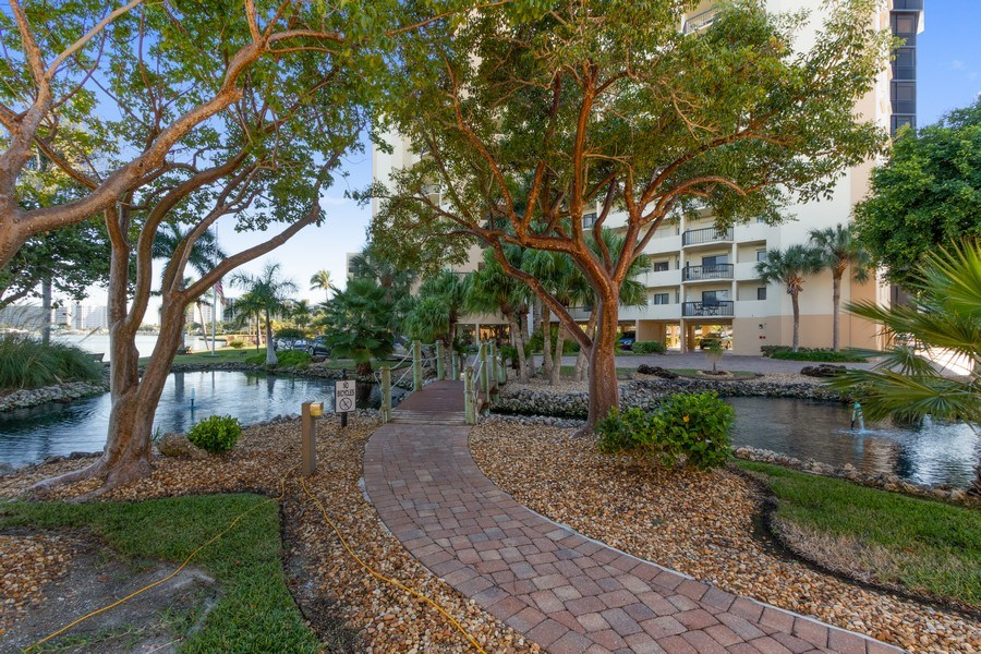 Real Estate Photography - 4263 Bay Beach Ln, #613, Fort Myers Beach, FL, 33931 - Walking Path