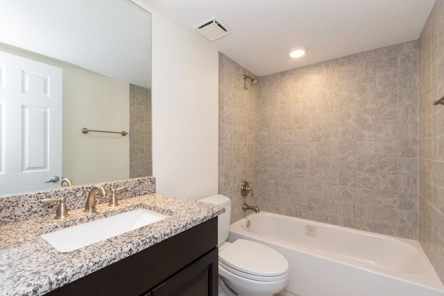 Real Estate Photography - 4263 Bay Beach Ln, #613, Fort Myers Beach, FL, 33931 - 2nd Bathroom