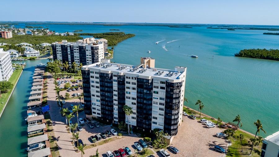 Real Estate Photography - 4263 Bay Beach Ln, #613, Fort Myers Beach, FL, 33931 -
